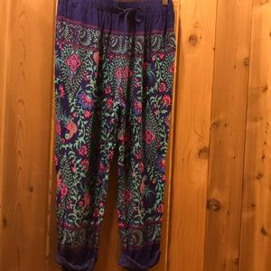 Cropped floral lounge pants